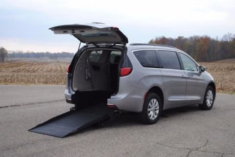 2017 Chrysler Pacifica Touring-L Wheelchair Kneelvan™ #23540