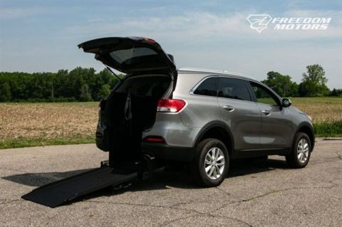 Pre-Owned 2017 Kia Sorento LX Wheelchair Accessible SUV