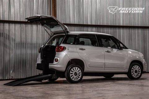 Pre-Owned 2015 FIAT 500L Easy
