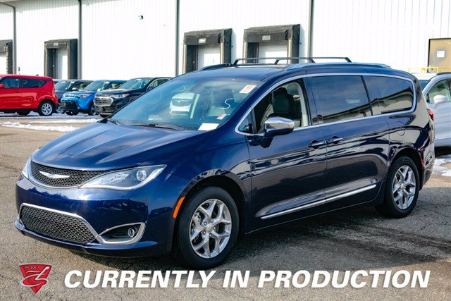 Pre-Owned 2018 Chrysler Pacifica Limited