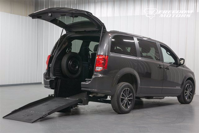Pre-Owned 2018 Dodge Grand Caravan GT Wheelchair Accessible