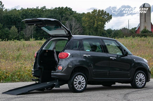 Pre-Owned 2014 FIAT 500L Wheelchair Accessible Car